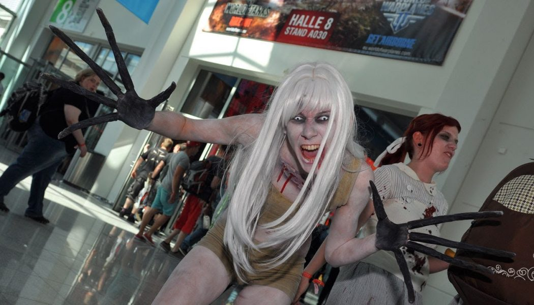 Gamescom 2012: Hostessy i Cosplay